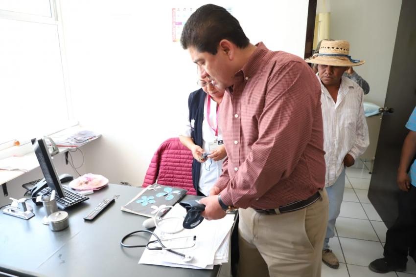 CON ACUERDOS ENTRE ÓRDENES DE GOBIERNO SE PUEDEN CONCRETAR IMPORTANTES ACCIONES EN MATERIA DE SALUD, ASEGURA TITULAR DE SSH ANTE HABITANTES DE COMUNIDADES DE HUICHAPAN E IXMIQUILPAN
