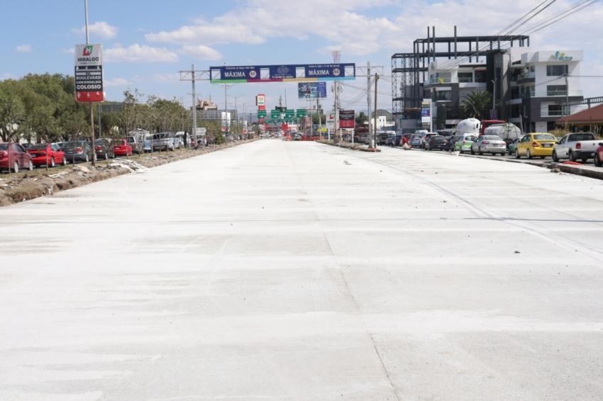 Se inician los trabajos de perfilado de carpeta asfáltica sobre carriles centrales en el tramo del puente de rectoría de la UAEH en la carretera Pachuca-Actopan