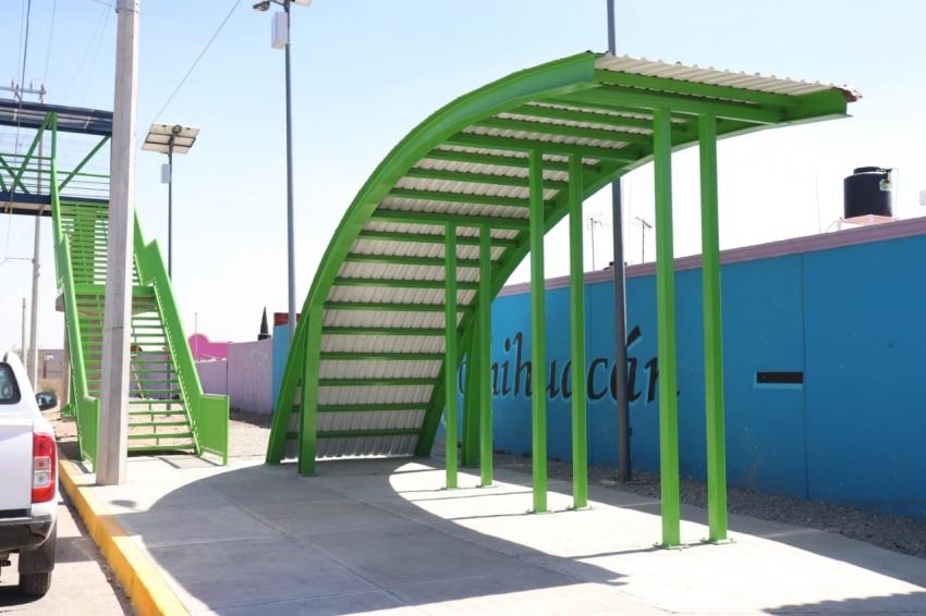 Concluyen  los trabajos del puente peatonal del fraccionamiento Xochihuacán, en el municipio de Epazoyucan