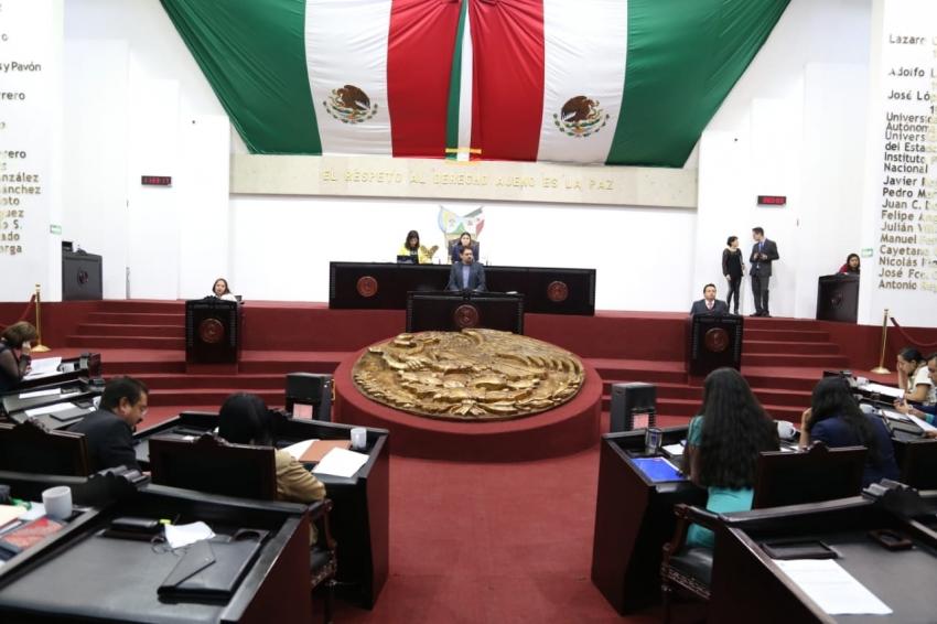 Abandonan 14 diputados la 64 Legislatura.